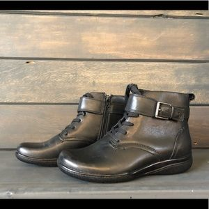 Clarks Kearns Admire Black Leather Ankle Boots